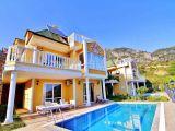 Kiralık villa Alanya-Alanyada haftalık kiralık müstakil, havuzlu 4 odalı villa